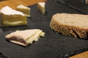 Munster fermier bio, camembert bio et chèvre sec bio